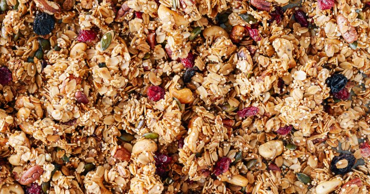 8 Delicious Granola Recipes That Are Surprisingly Easy To Make