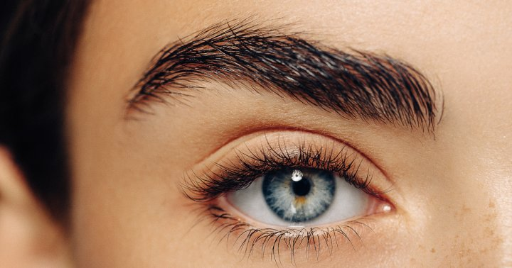 This Is How To Match Your Brows To Your Face Shape, In Case You're Curious