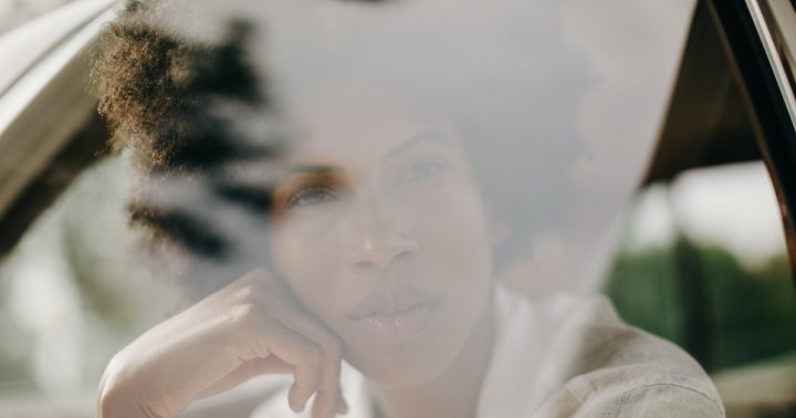 If You've Been Exposed To Wildfire Smoke, Here Are 6 Derm Tips To Calm Skin