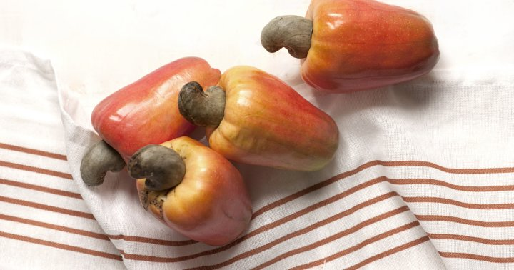 What Is A Cashew Apple & Does It Have Any Health Benefits?