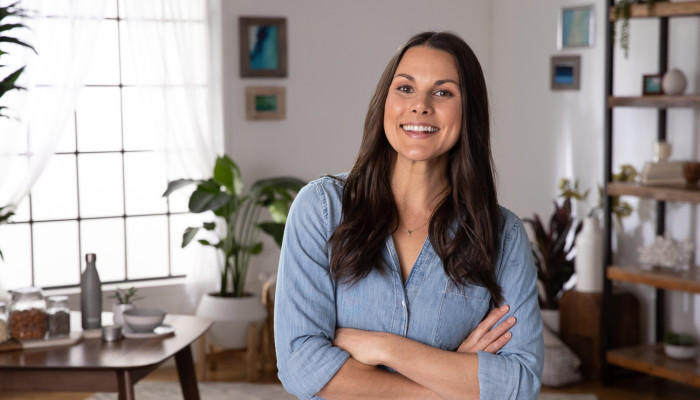 How Registered Dietitian Nutritionist Whitney English Eats Well While On The Road