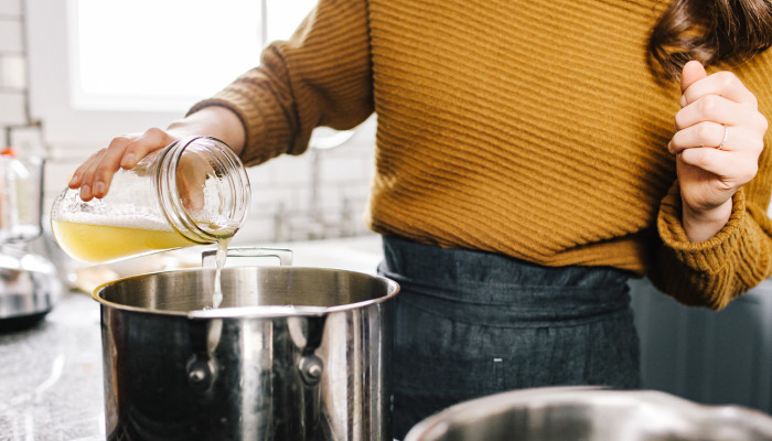 """Sip On This CBD-Infused Vegan """"Bone Broth"""" To Ease Inflammation & Stress"""