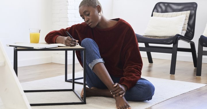 7 Ways To Handle Emotional Triggers, Explained By A Psychotherapist