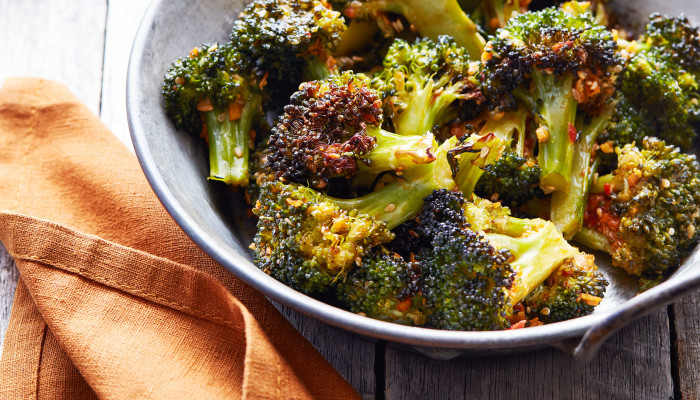 How To Make Perfectly Crisp Sesame-Ginger Broccoli