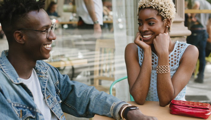 4 Ways To Gauge Someone's Emotional Intelligence On A First Date