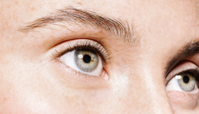 """Have Dry Eyes? Scientists Are Working On """"Smart"""" Contacts For That"""