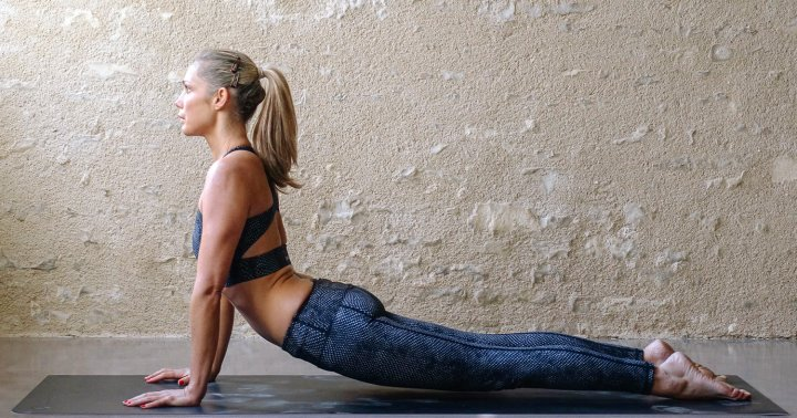 How To Do Upward-Facing Dog Correctly To Get All The Benefits