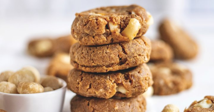 A Quick & Easy Vegan Macadamia Nut Cookie Recipe, Just In Time For The Holidays