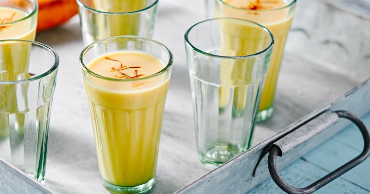 Sip This In The Sunshine: An Easy Coconut Turmeric Collagen Iced Latte
