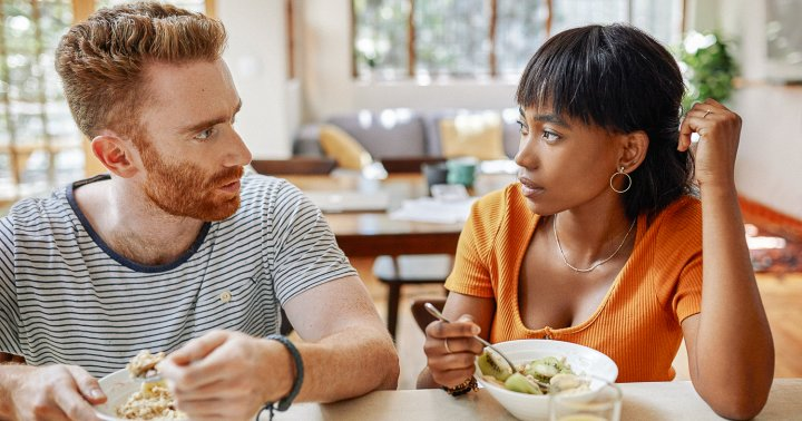 10 Signs Of Communication Issues In A Relationship, From A Psychologist