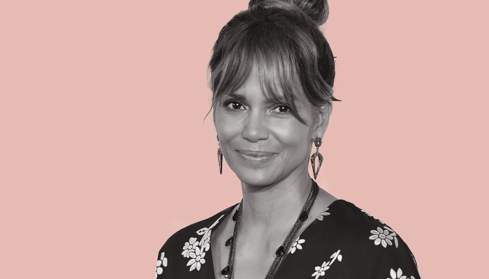 This Is The Intermittent Fasting Plan Halle Berry Follows (And It's Very Doable!)