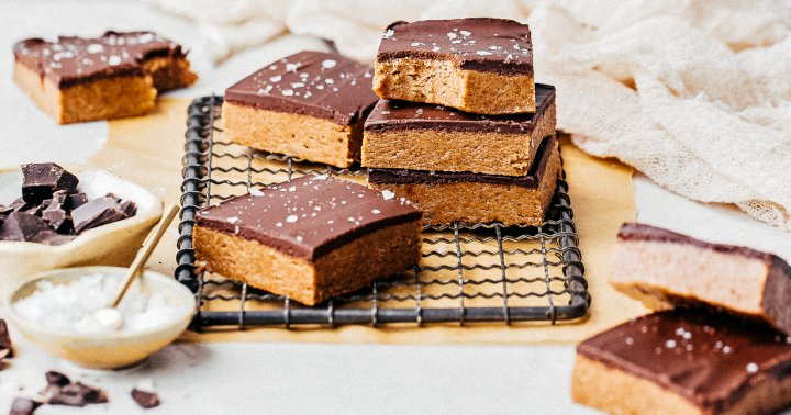 Try These Vegan No-Bake Almond Butter Bars, Because It's The Weekend