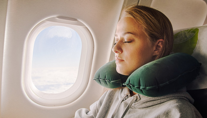 This Is The Best Way To Fight Jet Lag, New Research Finds