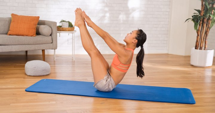 mbg moves: A 15-Minute Cardio Boxing + Abs Workout
