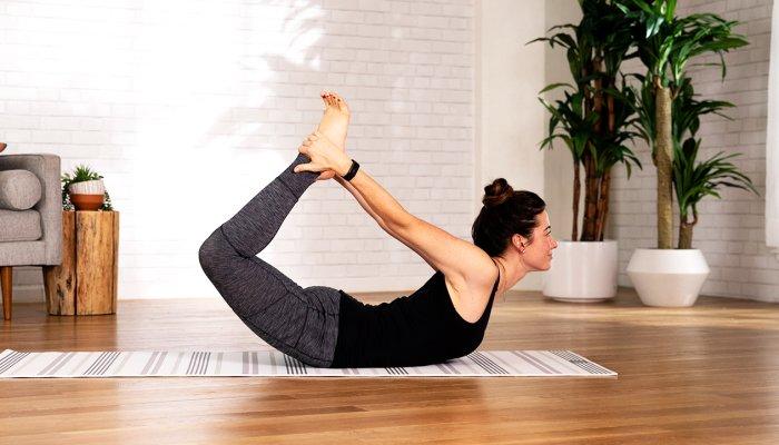 This Super-Satisfying Exercise Can Help Improve Posture & Stretch Your Achy Hips – Sarah Regan, mindbodygreen