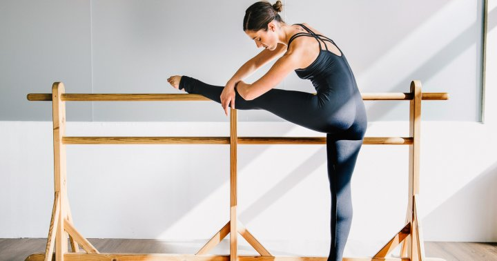3 Easy Barre Exercises You Can Do At Home To Get Your Glutes Going