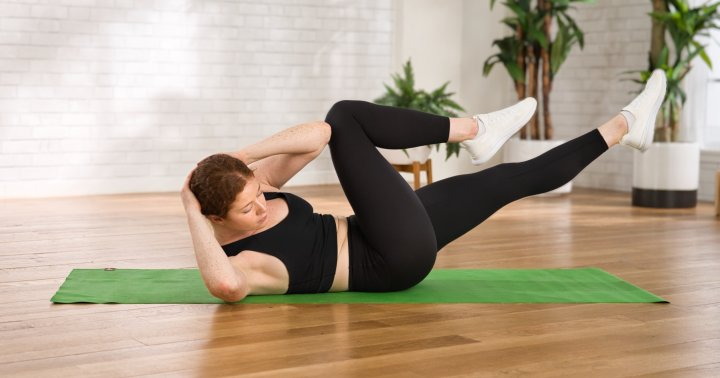 A Quick 5-Minute Abs Workout You Can Do Any Time
