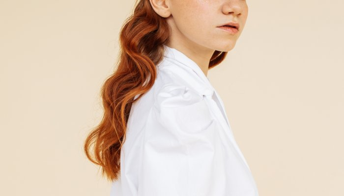 The Surprising Tool This Stylist Uses To Get Glossy Curls & Waves