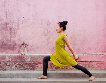 The 2 Yoga Poses That Make Embracing Change A Whole Lot Easier