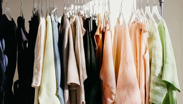 The One Group Trick That Lastly Decluttered My Closet