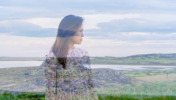 The Mind Has A Negativity Bias. Right here's How To Be Completely satisfied Anyway