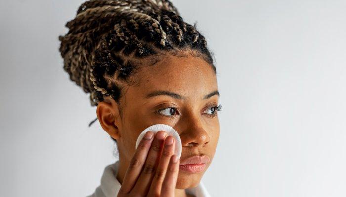 This Skin Care Winner Can Moisturize & Remove Stubborn Makeup At The Same Time – Jamie Schneider, mindbodygreen
