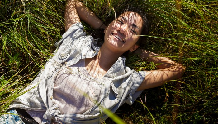 A Natural Medicine: Doctors Share Their Favorite Ways To Spend Time Outdoors – Emma Loewe, mindbodygreen