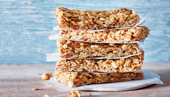 These 5-Ingredient Peanut Butter Granola Bars Will Be Your New Favorite Snack