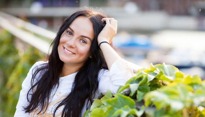Diy 4 simple face mists for glowing skin mindbodygreen solutioingenieria Choice Image