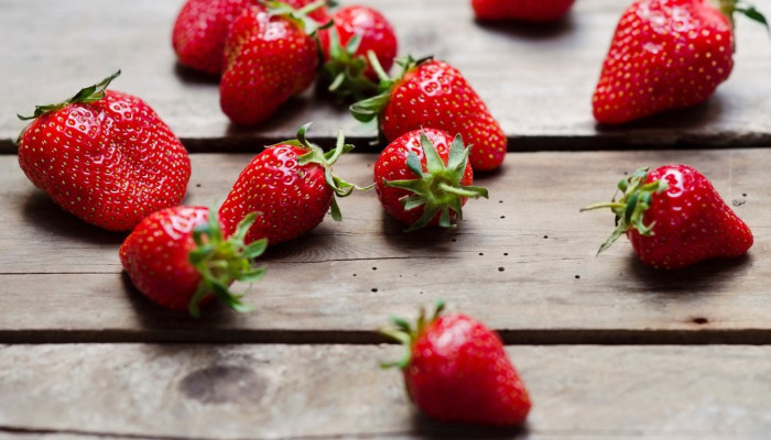 5 Foods To Naturally Build Collagen For Glowing, Youthful Skin ...
