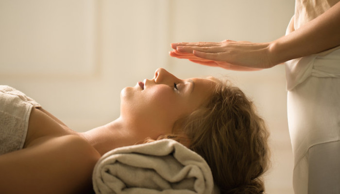 Reiki: What It Is & Why I'm Obsessed With It