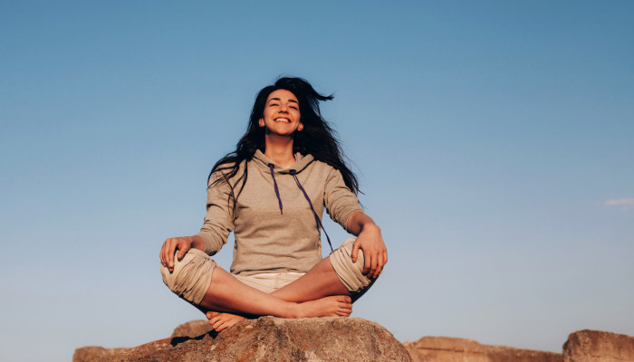 Wellness Starts When You Wake: Join Our 2-Week Challenge For Mindful Mornings