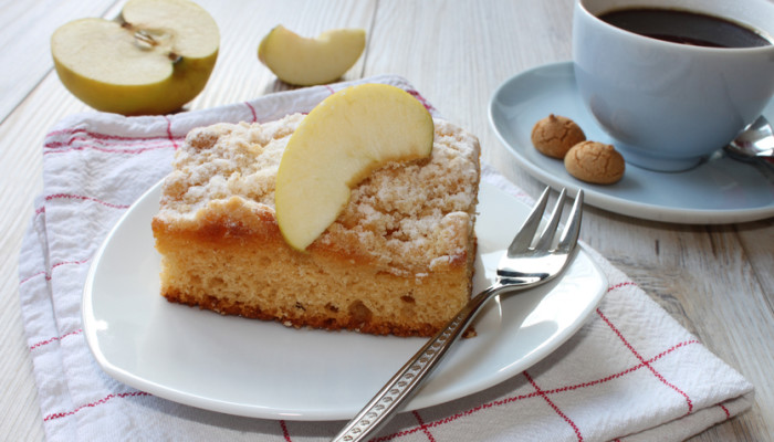 A Coffee Cake Recipe So Good You Won't Notice It's Vegan & Gluten-Free