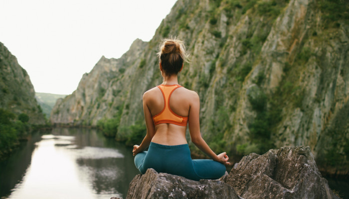 The Best Meditation Tips For People With Anxiety (From Someone With Anxiety)