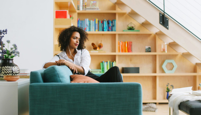 Feng Shui Says These 5 Things Are The Key To A Calming Home