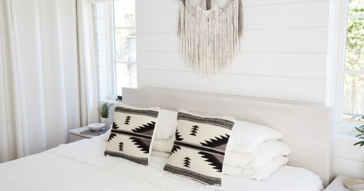 Feng Shui Guide For Beginners 10 Essentials For A Healthy Body And Mind: Turn Your Bedroom Into A Sanctuary With These 8 Tips