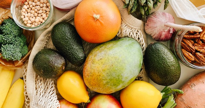 Eating This Many Fruits & Veggies A Day May Lower Stress Levels, Study Suggests