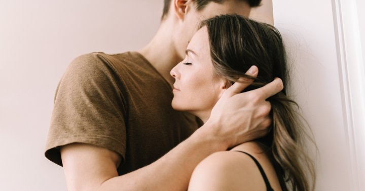 A Psychotherapist Shares How To Cultivate Romantic & Sexual Attraction