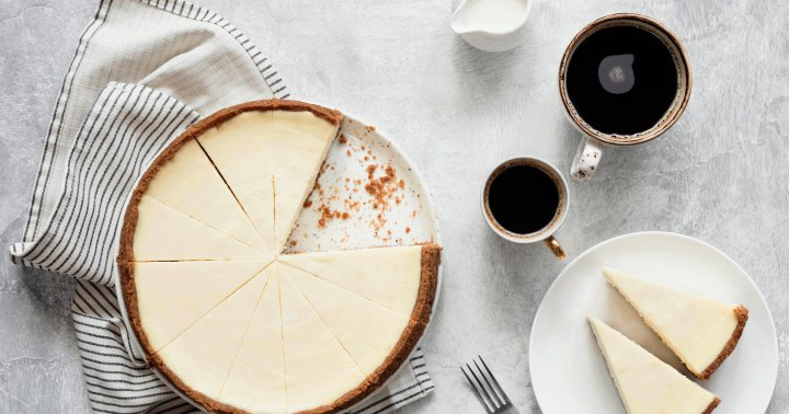 Craving Sweets On Keto? This Ultra-Low-Carb Cheesecake Recipe Will Hit The Spot