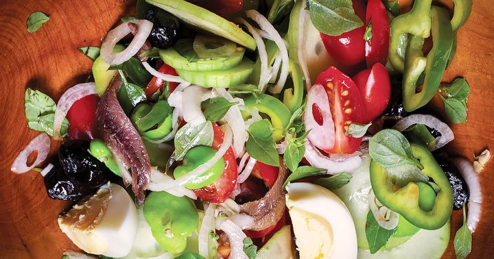 This Classic Mediterranean Salad Skips The Lettuce & Packs In Omega- 3s