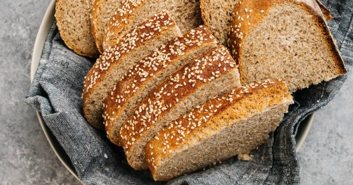 Whole Wheat vs. Whole Grains: What's The Difference & Which Is Healthier?