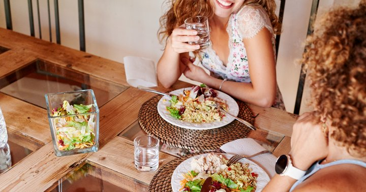 New Study Suggests This Diet Shift Is Associated With Lower Risk & Severity Of COVID-19