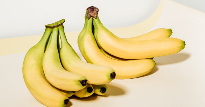 Eat Your Way To Calm With These 5 Magnesium-Rich Bedtime Snacks