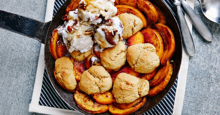 This Easy-To-Make Vegan Peach Cobbler Is The Perfect Simple Summer Dessert