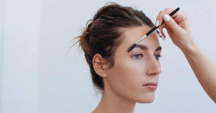 Pencils, Powders & Pomades: Which Product Is Best For Your Brow Goals?