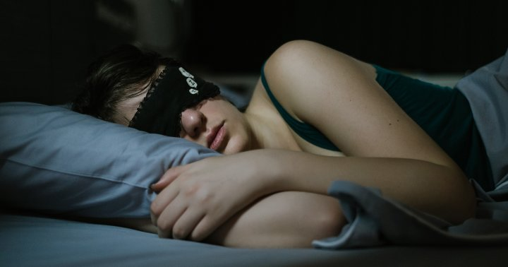 How To Get More Deep Sleep & Why It's Important, According To Experts