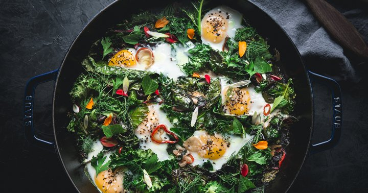 The Two Anti-Inflammatory Aromatics This Top Chef Adds To Everything (Even Eggs)