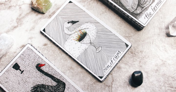 How To Pull A Single Tarot Card For Quick Insight Anytime You Need It