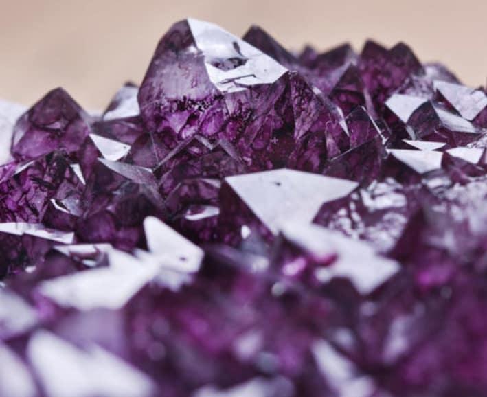 kristal bagi para yogi - amethys
