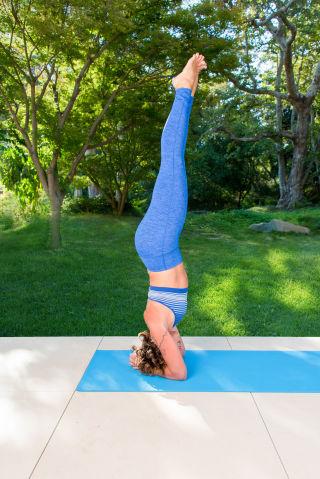 5 yoga poses to bring focus to your morning  mindbodygreen